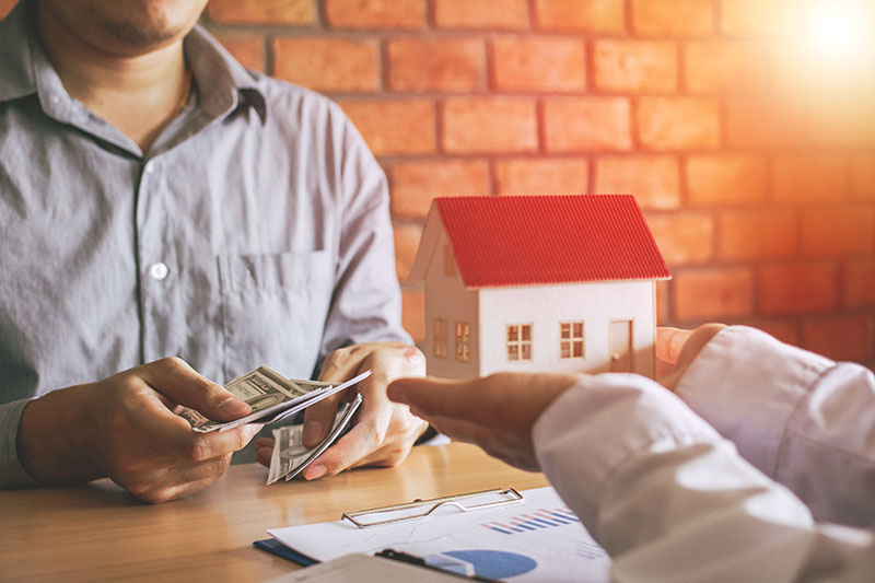 how to avoid roofing scams